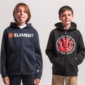 Garçons portant des sweat shirt, veste zippé et pull de la marque Element